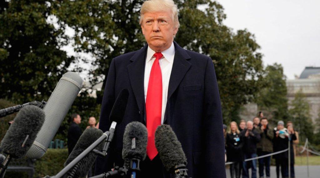 """Trump sulmon FBI-në: Nuk parandaloi masakrën në Florida, janë fiksuar te """"ndërhyrja ruse"""""""
