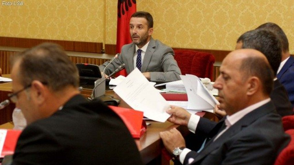 Majority demands the reopening of the inquiry on the Albania-Kosovo highway affair