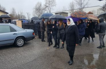 Funerali në Velipojë, përcillet babai dhe dy fëmijët