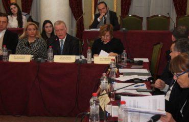 Komiteti i Stabilizim-Asociimit voton amendamentet e PD, Pollo i kënaqur: Ndryshe nga çfarë ndodh në Kuvend...