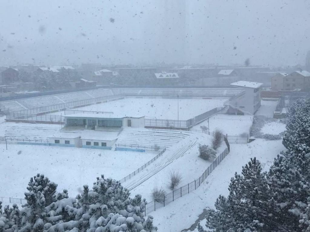 Moti i keq, mungojnë kushtet, mbyllen shkollat në qarkun e Korçës