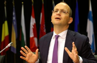 We expect an invitation to launch talks in April, FM Bushati says