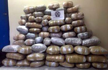 Kapen me 161 kg hashash, dy shqiptarë në prangat e policisë greke