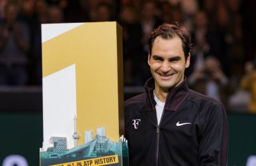 """Roger Federer merr kryesimin si """"mbreti"""" i tenisit"""