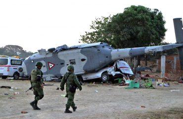 MEKSIKË/ Rrëzohet helikopteri, vdesin 14 persona por shpëtojnë zyrtarët