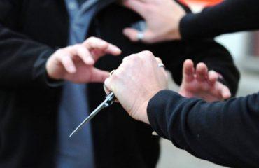 Konflikti për pronën përball dy kushërinjtë me thika në Dibër, njëri i plagosur rëndë