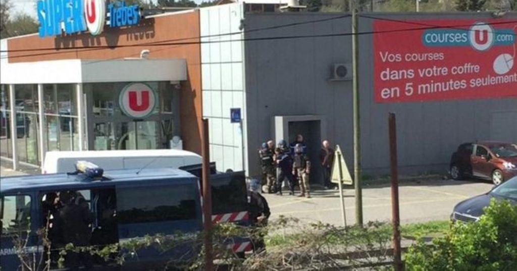 """FRANCA NËN TERROR/ Dy të vrarë gjatë sulmit të """"njeriut të ISIS-it"""", dhjetë pengjet lirohen pas dy orësh"""