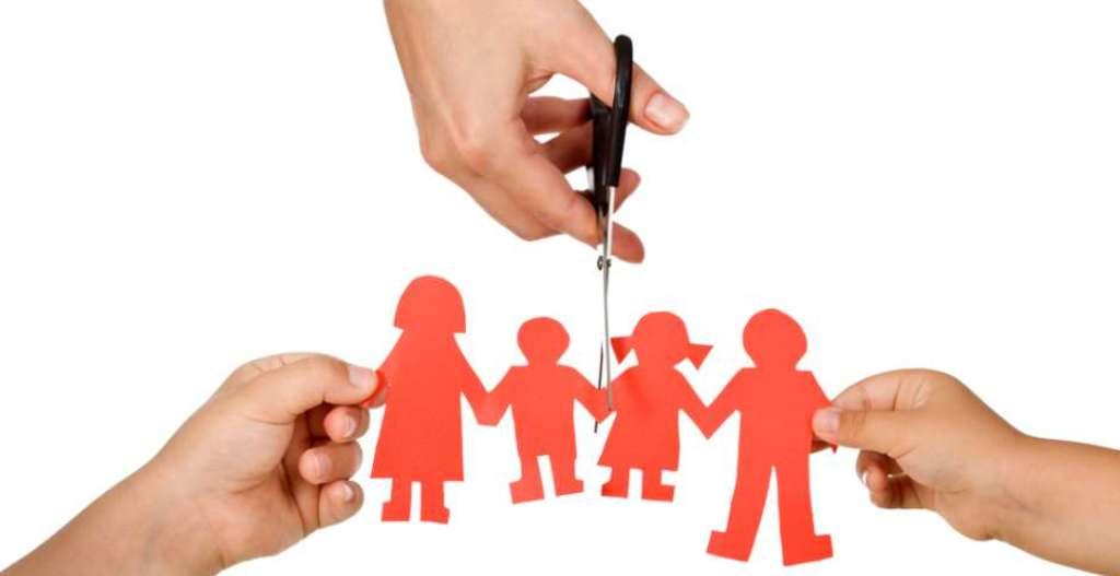 Karriera dhe bashkëjetesa, shqiptarët s'po bëhen prindër
