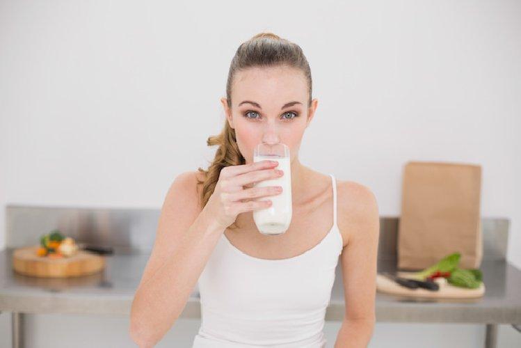 Dieta me qumësht dhe kos, humbisni dy kilogramë për tre ditë