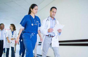 Protestë e pazakontë në Kanada/ Mjekët kundërshtojnë rritjen e pagës së tyre, e quajnë të padrejtë të marrin kaq shumë
