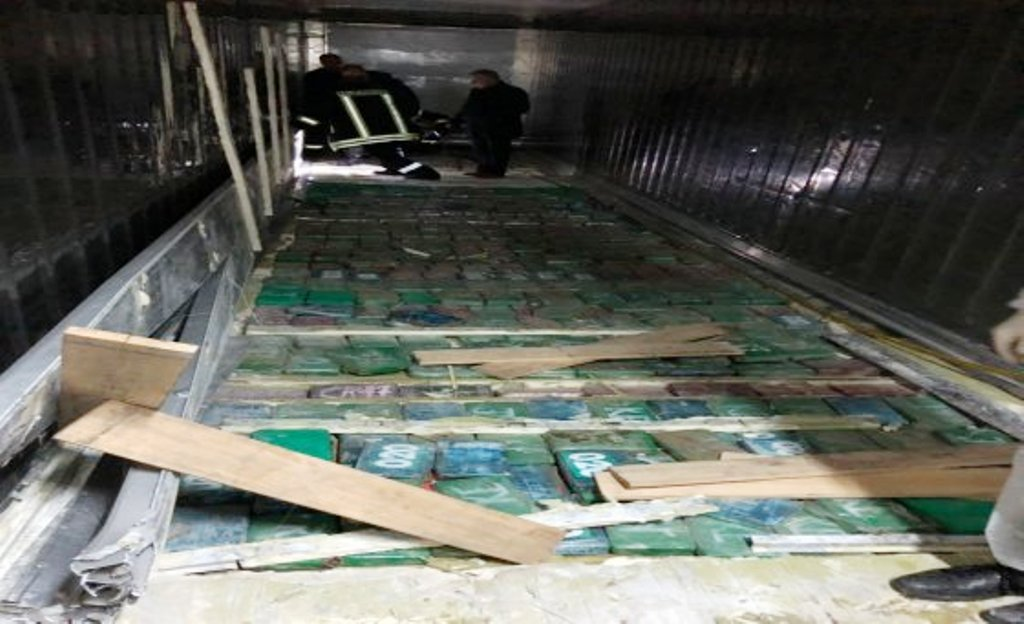 The two major parties exchange accusations over the enormous amount of cocaine seized in Durres