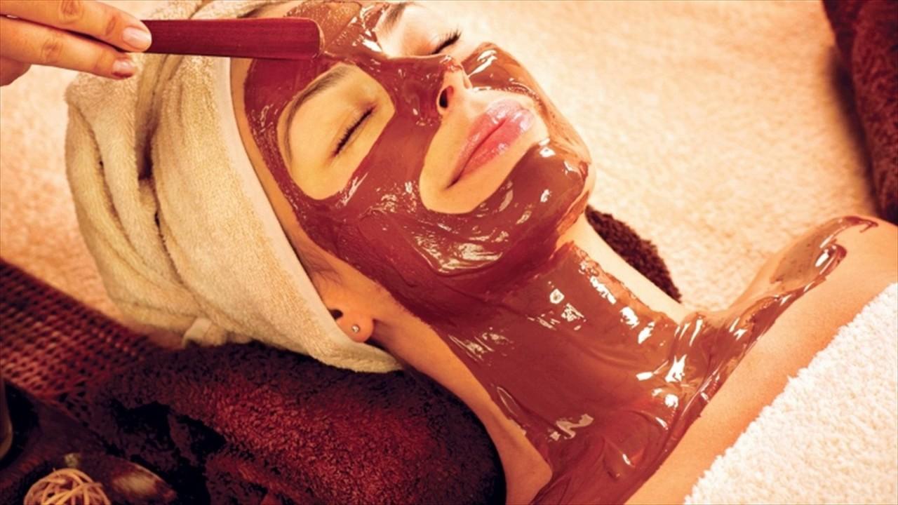 Maskë me çokollatë të zezë