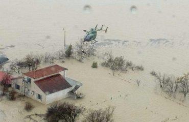Alarmante situata e përmbytjeve në qarkun e Shkodës, në disa zona qarkullohet vetëm me varka