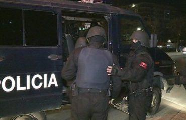"""Shkatërrohet grupi kriminal """"Gjahtarët e natës"""", grabisnin kasafortat në Tiranë e rrethe, 5 në pranga(emrat)"""
