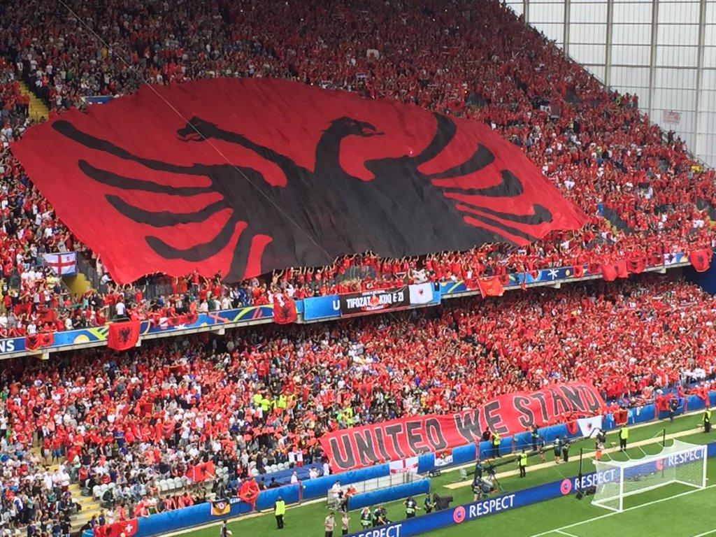 """""""(Nuk) Jemi Një!"""" Shqipëri-Kosovë, """"beteja e heshtur"""" mes dy përfaqësuesve"""