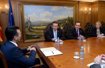 Senatori Murphy në Maqedoni, takohet me kryeministrin Zaev