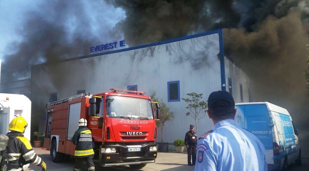 Kryebashkiaku Veliaj, qytetarëve: Zjarri në Kashar, evitoni kalimin!