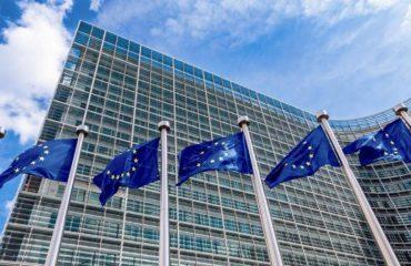 BE, 350 miliardë euro drejt fqinjëve të Shqipërisë, shqetësohen Varshava e Budapesti