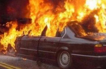 """Elbasan/ Makina """"mbërthehet"""" nga flakët, policia për zjarrvënie të qëllimshme"""