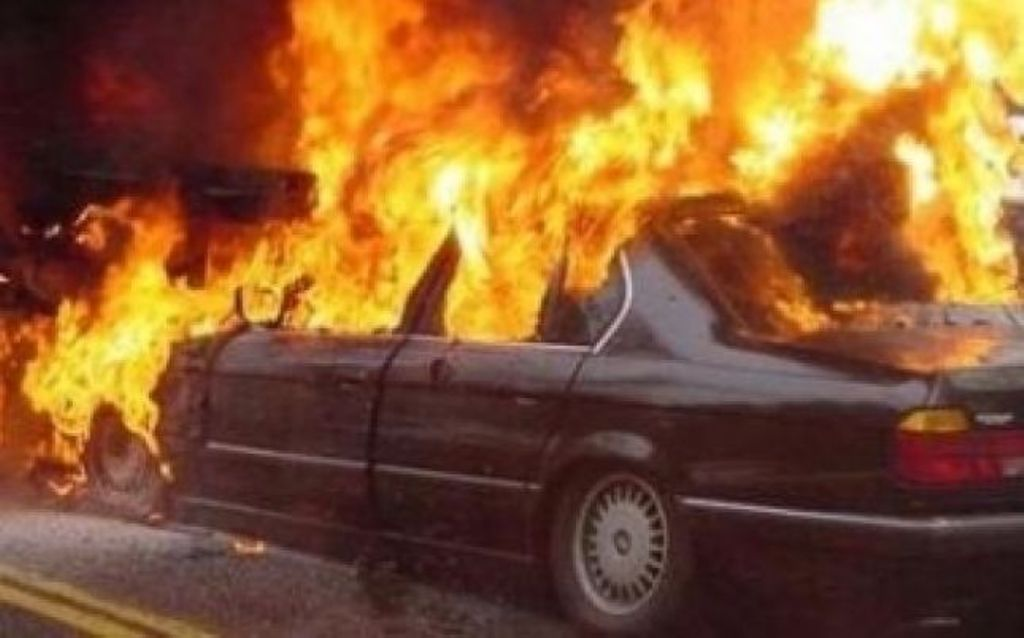 I vuri zjarrin makinës së drejtoreshës së Qendrës Sociale në Kombinat, arrestohet autori 46-vjeçar