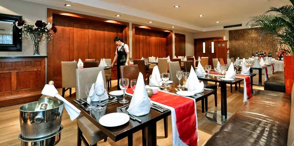 Ekonomia shqiptare po mbahet vetëm nga hotelet e restorantet