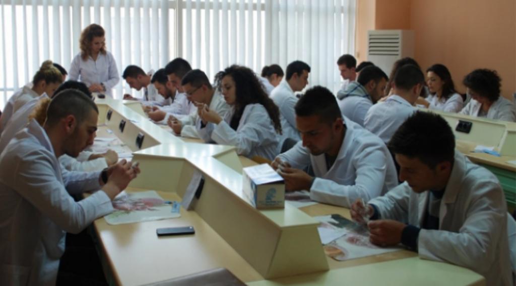 Provimi i shtetit për bluzat e bardha, afatet dhe kushtet që duhen plotësuar