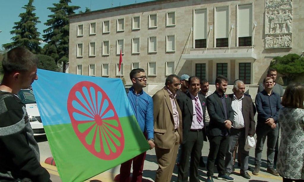 Komuniteti rom kërkesë qeverisë për moszbatimin e ligjit në rimbursimin e energjisë elektrike