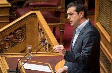 Tsipras i mbijeton mocionit të mosbesimit, i mbështetur edhe nga deputetë jashtë partisë