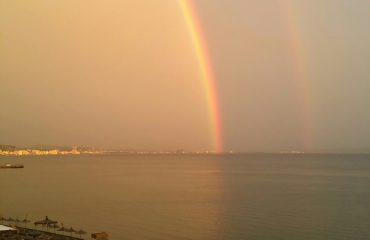 Ekskluzive: Ylberi i dyfishtë mbi Adriatik
