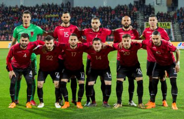Grezda humb miqësoret, Qaka te Steaua për 500 mijë euro