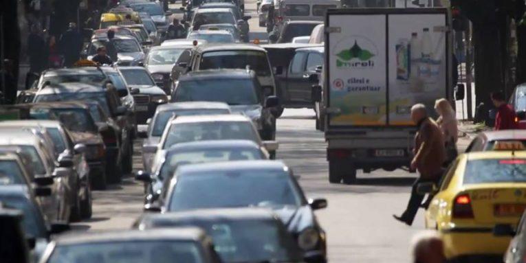 Nis shkolla, rikthehet kufizimi i qarkullimit të disa automjeteve