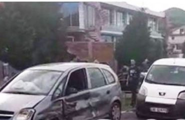 Aksident në Bushat, dy të plagosur