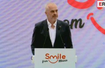 """Aktiviteti """"Smile Albania"""", Rama: Jam i bindur se ky sezon do jetë surprizë për numrin e turistëve"""