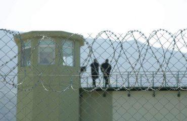 Helmohen tre rojet dhe një i burgosur në burgun e Durrësit, shkak ushqimi