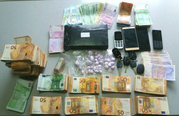 Arrestohen shqiptari dhe grekja, sekuestrohen 1,1 kg kokainë dhe 110.000 euro