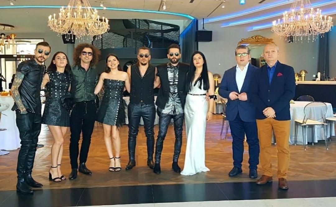 """Bushpepaj dy ditë para shihet si favorit në Eurosong, """"detyroi"""" edhe Eleni Foureria të pranojë origjinën"""