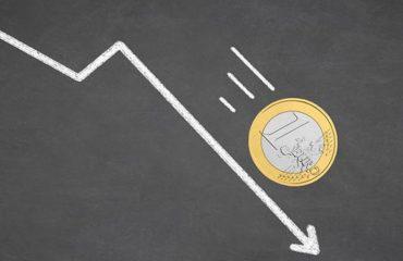 Euro zbret sërish në nivelin më të ulët në 10 vite, eksportuesit në panik