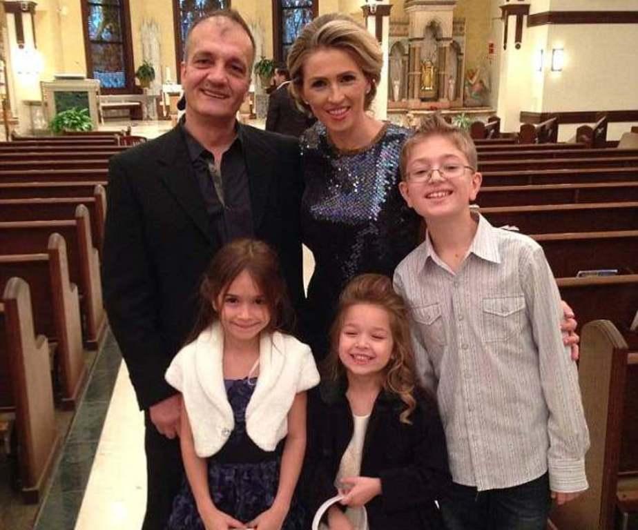 Ndihmë Melania Trump! Gruan shqiptare e ndajnë nga bashkëshorti dhe 3 fëmijët (depërtohet nga Detroit në Skrapar)