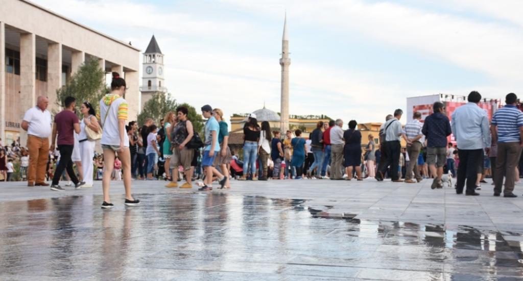 Raporti i Cilësisë së Jetës: Shqiptarët më të pakënaqurit në Ballkan