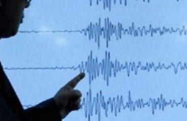 Greqia në panik, Joni tronditet nga tërmete të njëpasnjëshme