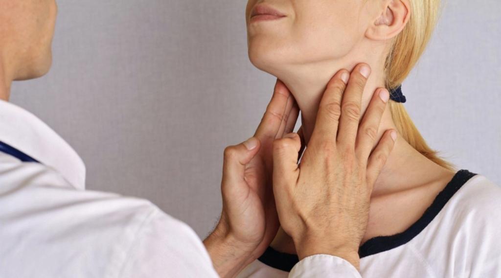 Tiroidet, sinjalet që lëshojnë për fillimin e sëmundjes