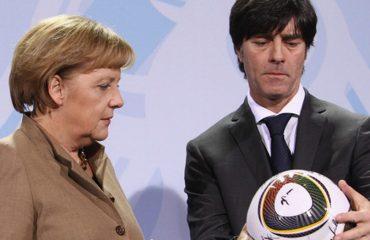 Zgjohu Gjermani! Mediat dhe tifozët e krahasojnë Kombëtaren e Lëvit me qeverinë e Merkelit