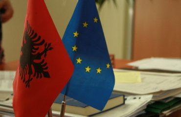 Negociatat me BE, politika e ndarë se cilat shtete janë pro dhe kundër