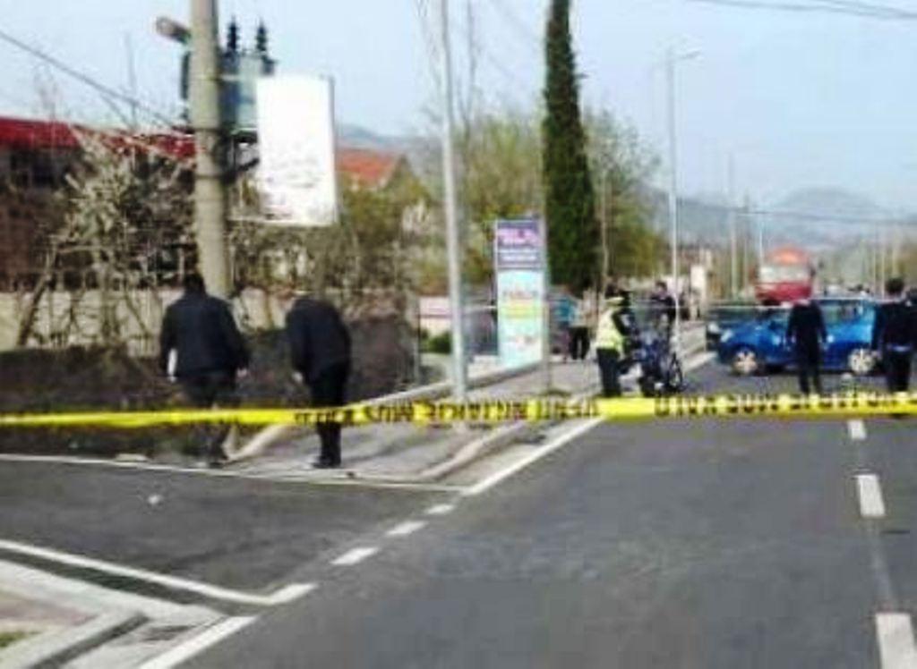 """Aksident në Elbasan, """"Opel-i"""" përplas këmbësorin 56-vjeçar"""