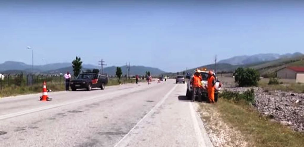 """Hetimet e nxjerrin """"gjumash"""" në timon shoferin e aksidentit me dy viktima në Gjirokastër"""