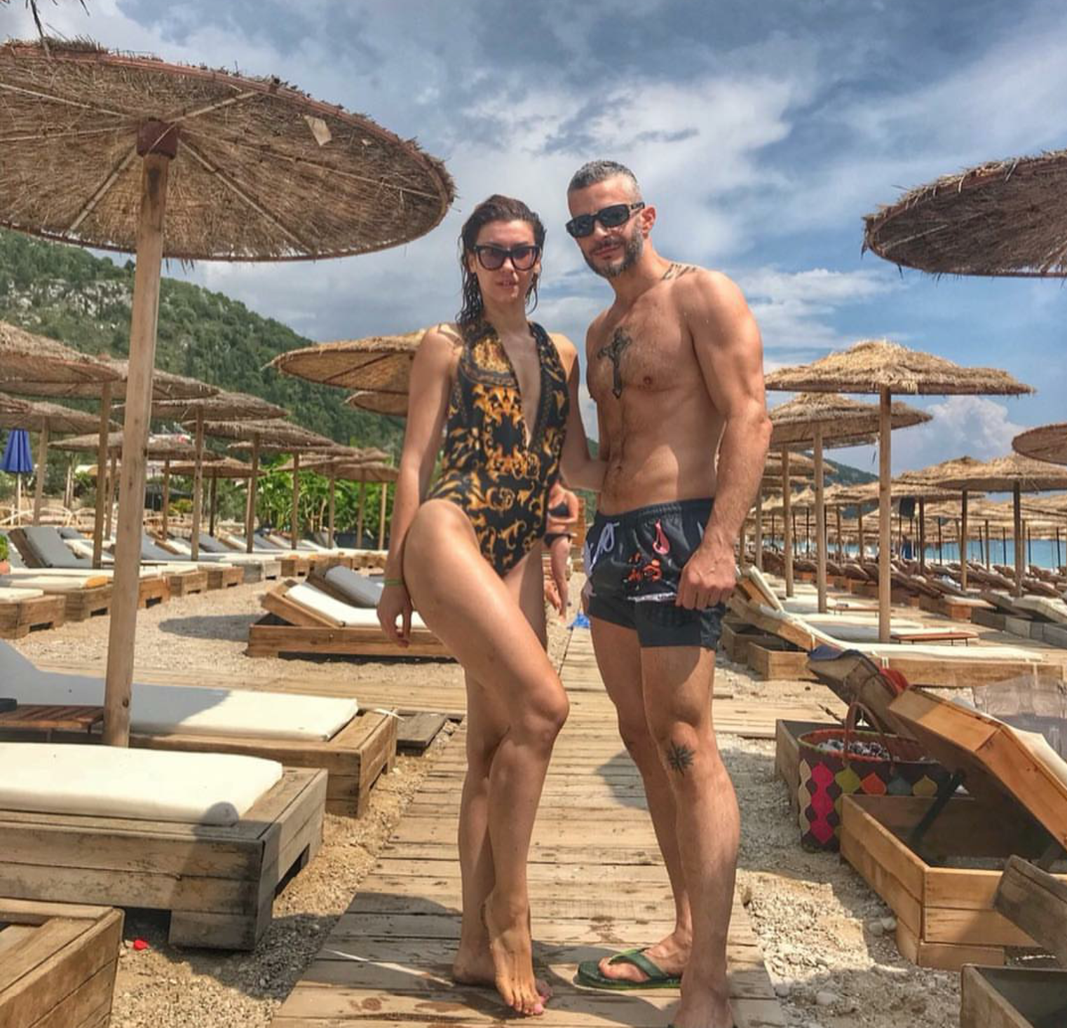 Aulona Musta, plazh me bashkëshortin
