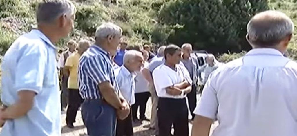 Banorët e Postribës në protestë kundër ndërtimit të gurores