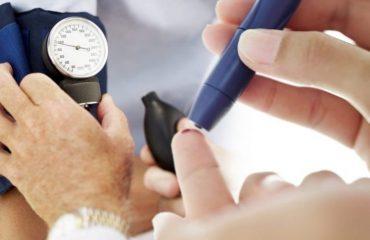 Këshillat për të përballuar diabetin gjatë stinës së verës