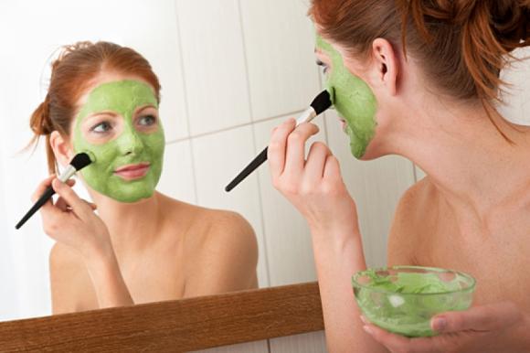 Maskat për fytyrën me maja