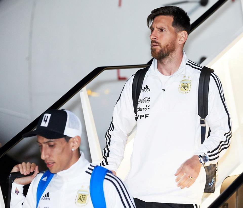 Fifa i uron Messi-t mirëseardhjen në Rusi, tifozët brazilianë e ironizojnë: Lamtumirë!